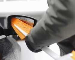 Fiskars SnowXpert щетка со скребком 1019352